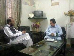 راقم اور عالم خان ریجنل ڈائریکٹر ریدیو پاکستان گلگت میں